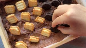 クッキーをのせます